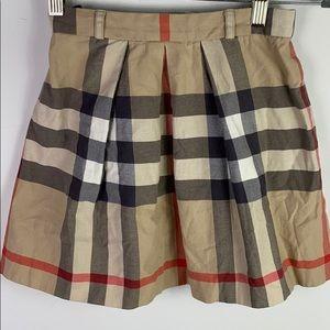 🌹🌹Burberry Children Skirt size 12y 🌹🌹